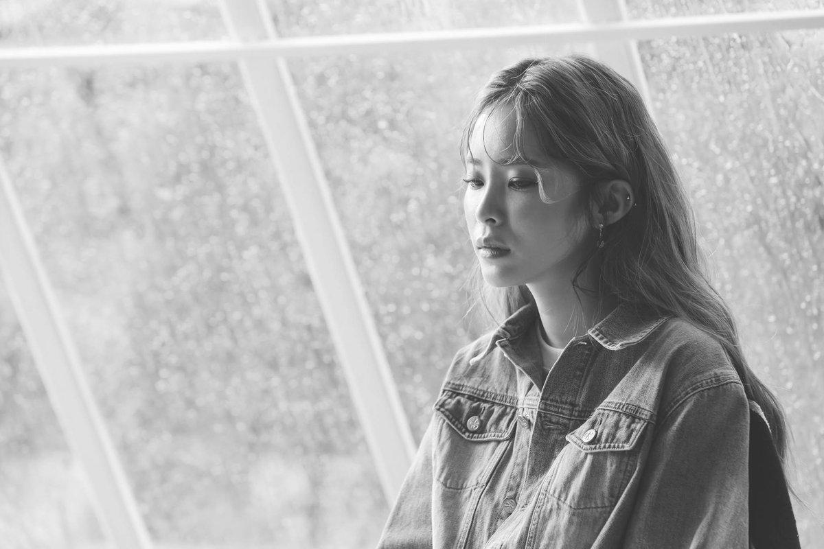 MV mới của Nam Em - Xa anh là tốt nhất - bị nghi ngờ đạo MV của nữ hoàng nhạc số Heize